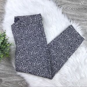 GAP Slim City Crop - Navy & White Print Size 12